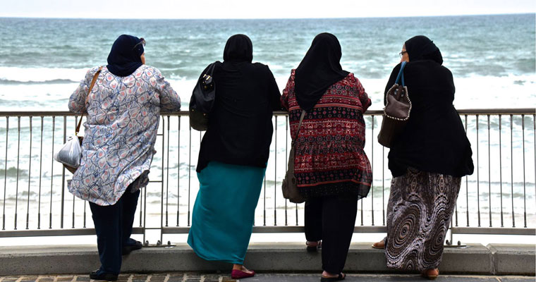 P-companions-hijabis-on-an-overcast-day-looking-out-to-sea